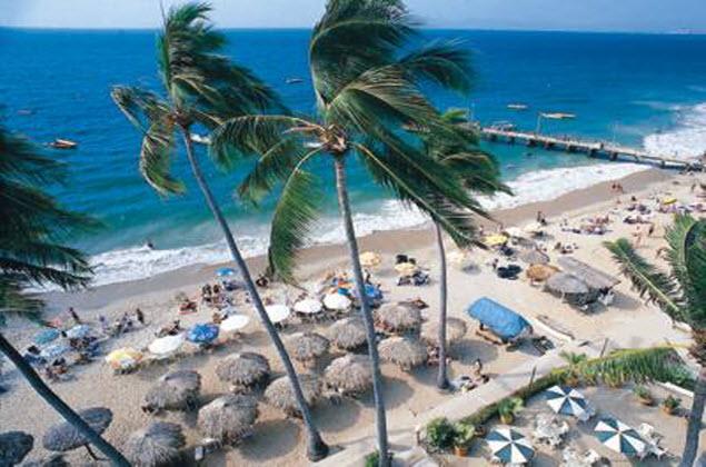 Promociones hotel emperador vallarta beachfront hotel suites for Hoteles familiares playa