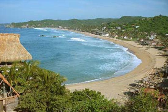 Zipolite, la Playa Nudista Oficial de México