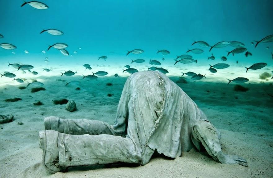 El extraordinario museo subacu tico de arte en canc n for Hoteles bajo el agua espana
