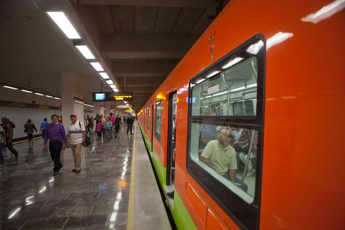 ltimo vagn del metro en la CDMX: sexo entre