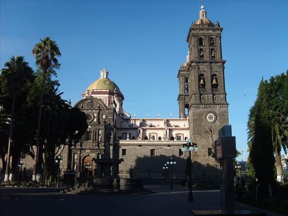 800px-Catedral_de_Puebla