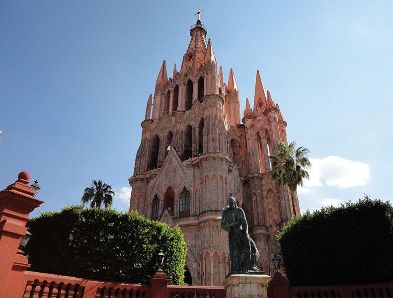 6 Monumentales Templos en San Miguel de Allende