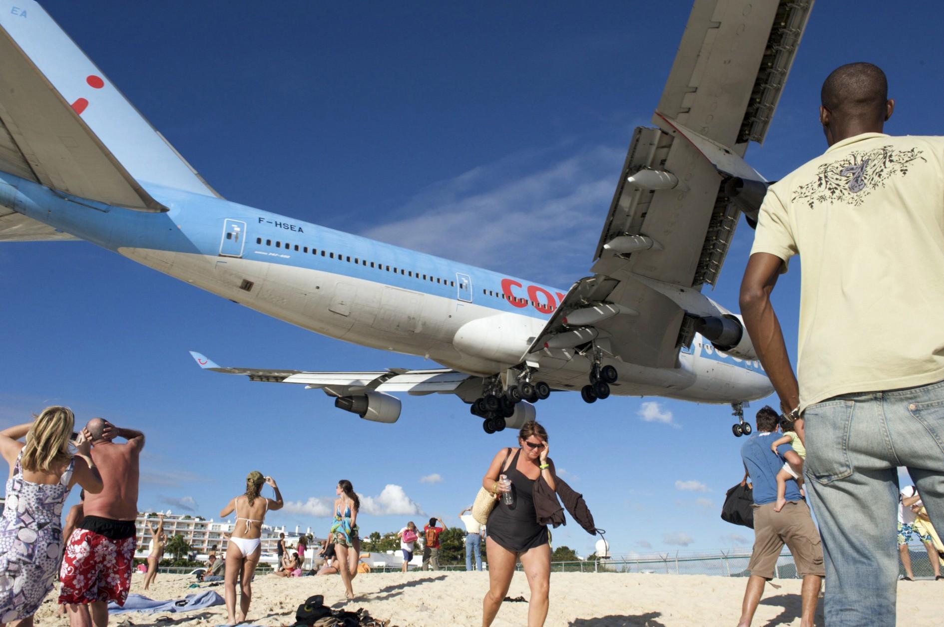 11 Malestares Causados por Viajar en Avión (Y cómo Evitarlos)