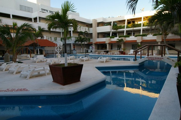 Hotel-Flamingos-Cancun