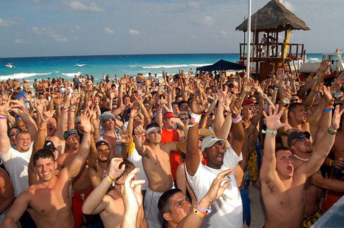 Spring Break Cancún 2014 ¡Beach Party!