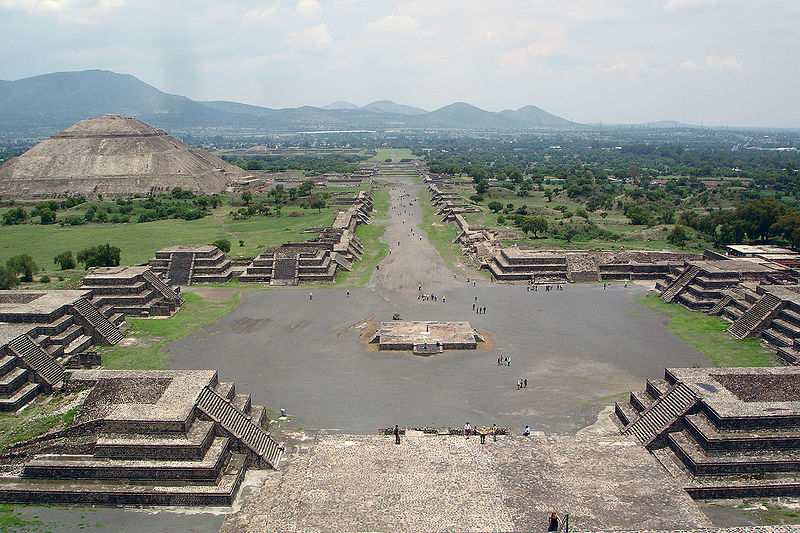 calzada de los muertos teotihuacan