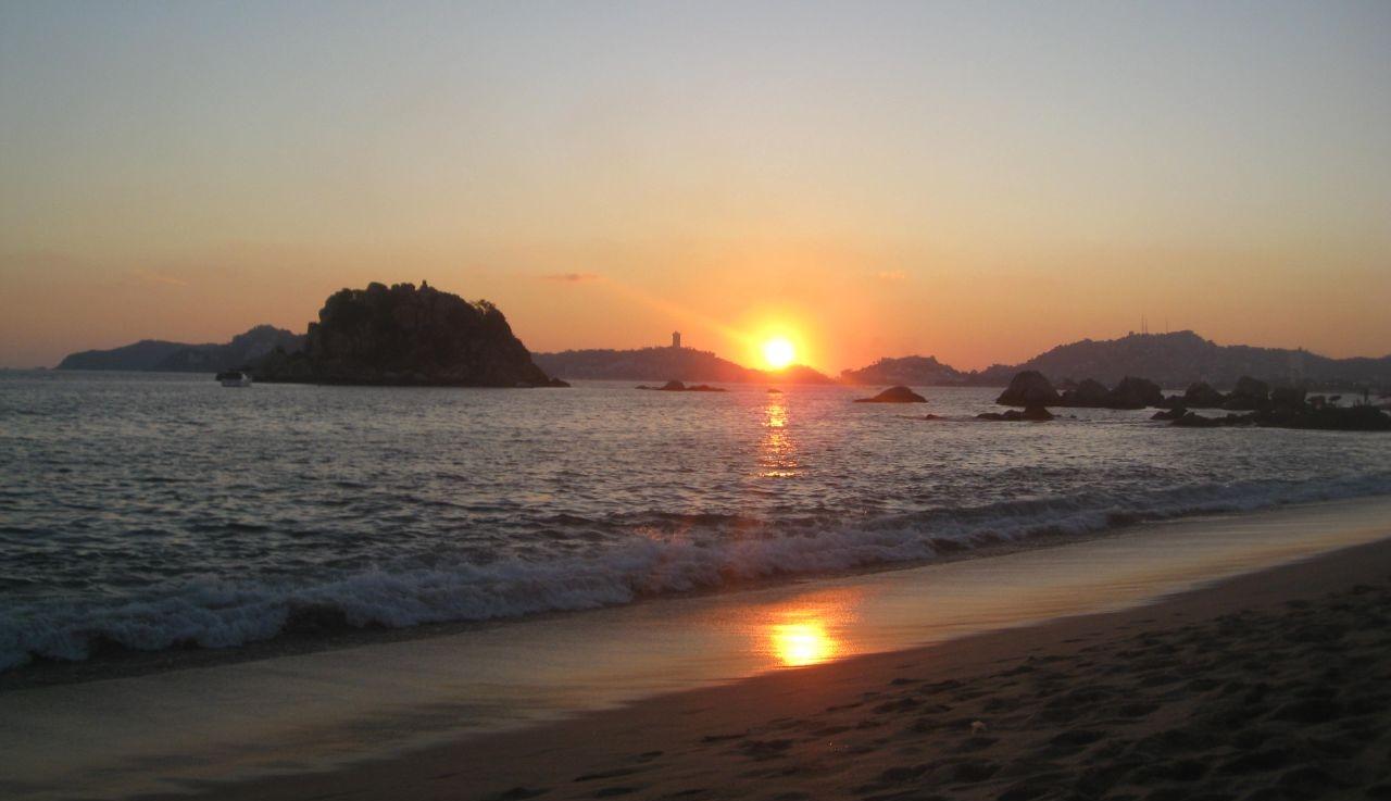 Lugares hoteles y atractivos tur sticos en acapulco - Fotos de hamacas en la playa ...