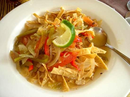 sopa de lima yucateca