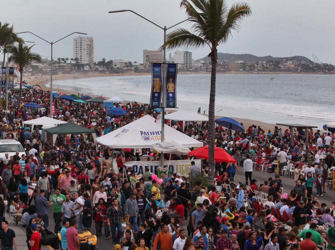 Calles durante Carnaval de Mazatlan