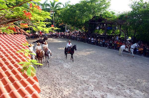Parque Xcaret - Lienzo Charro