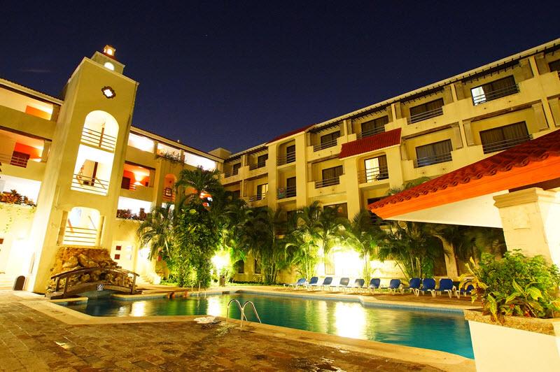 Hoteles de Negocios Adhara Cancun