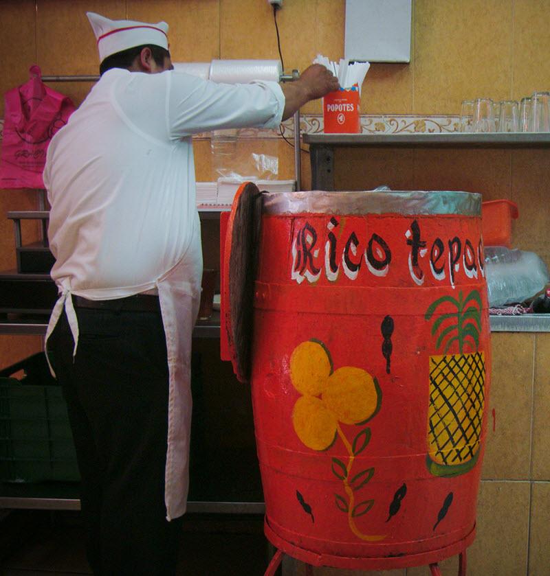 Rico y Refrescante Tepache, otra de las bebidas clásicas de México