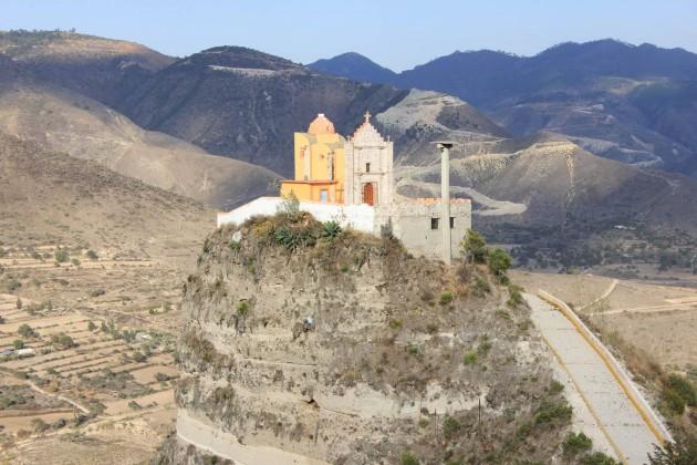 Iglesia en un Risco Puebla