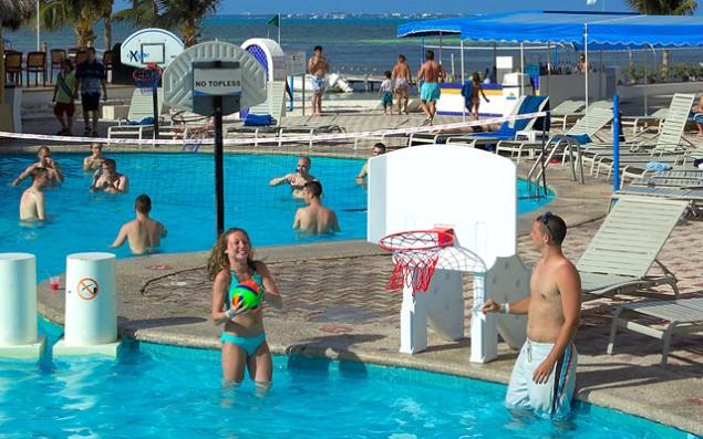 hotel-aquamarina-cancun---alberca