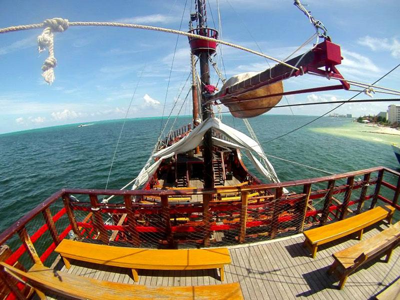 isla mujeres jolly roger galeon
