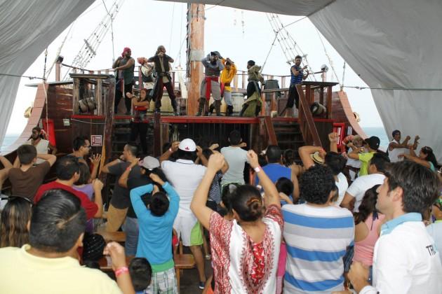 isla mujeres jolly roger show1