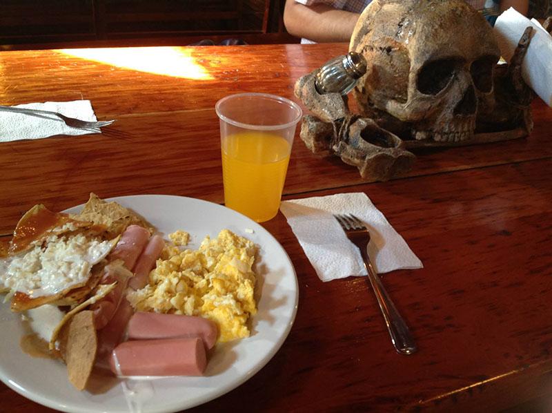 jolly roger desayuno isla mujeres