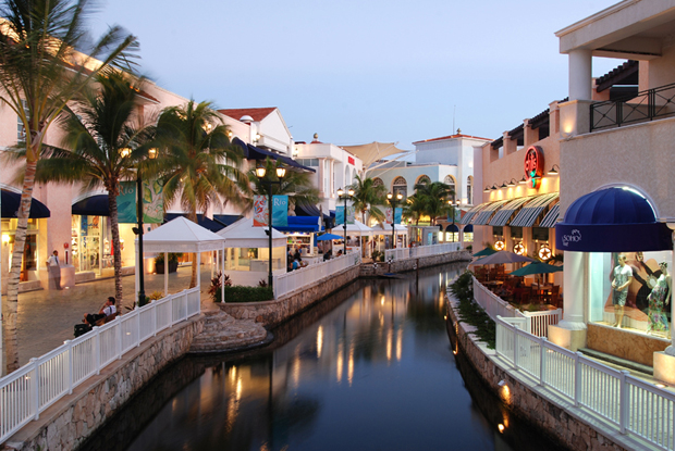 La Isla Cancun Shopping