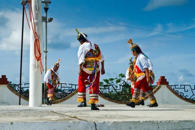 Voladores waiting to climb up the pole, Papantla de Olarte