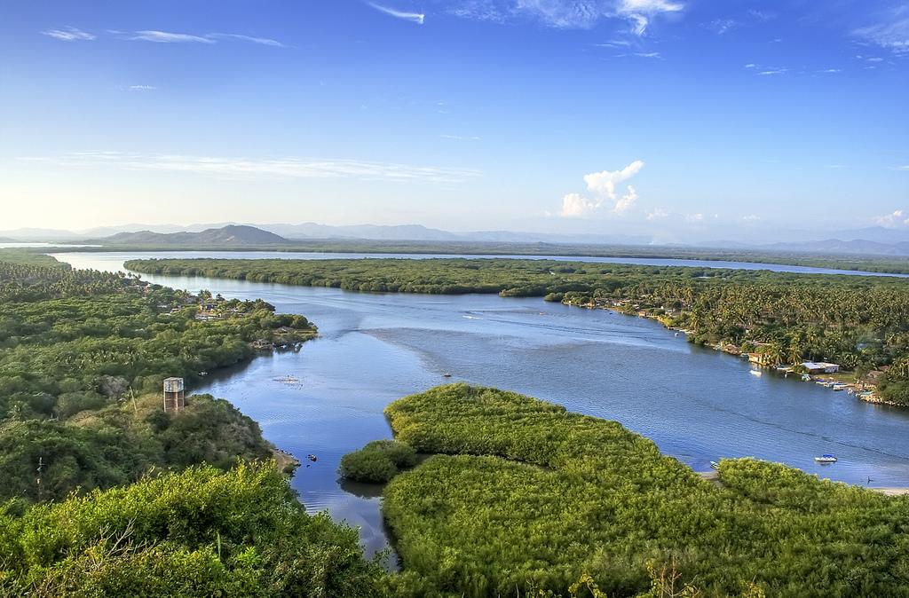 6 rutas para descubrir los tesoros de la costa de oaxaca Lagunas para cachamas